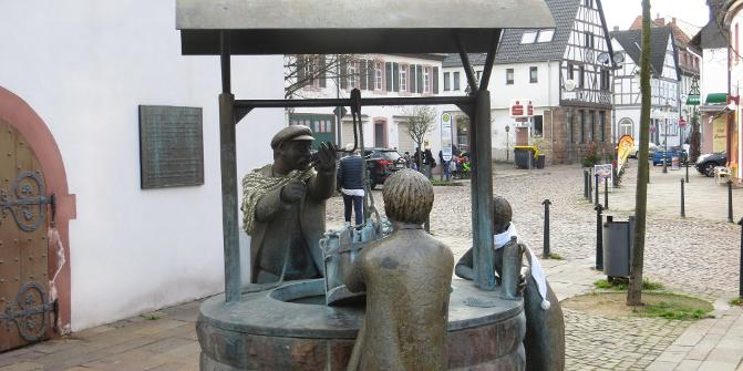 Bad Vilbel durch Streuobstwiesen zum Lohrberg und Heiligenstock • ...