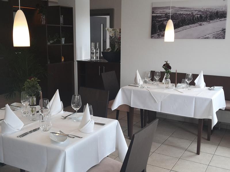 Festlich gedeckte Tische  - @ Autor: Beate Philipp  - © Quelle: Genossenschaftsheim Neckarsulm