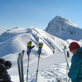 Auf der Kematenschneid, dahinter das Seehorn | Skitour Hundstodreibn
