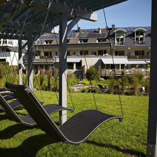 Wellnessgarten mit Hängeliegen
