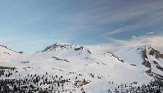 Snowshoe hike to Col Toronn