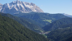 Hike from San Martin across Lovara - Costa to La Val / Wengen