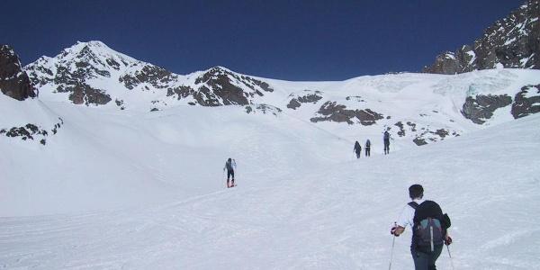 Gletscherbrüche des Nördlichen Löcherferners, links der Rositzkogel