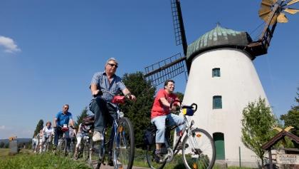 Windmühle in Tündern am Wegesrand