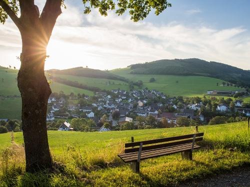 Blick auf Oberhenneborn im Schmallenberger Sauerland