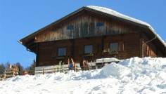 Winter walking tour to the mountain hut Taistner Alm