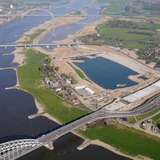 Nijmegen: bruggen over de Waal