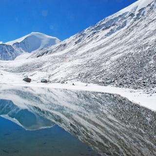 "Am Gebirgssee ""Shara Tso"" (5300 m)"