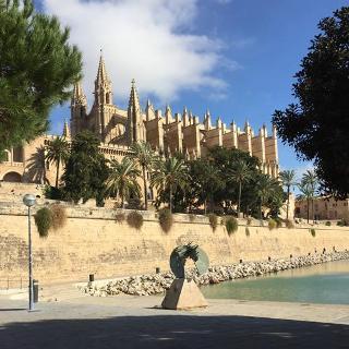 Vorbei an Palma Stadt
