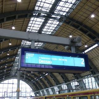 Mit dem R7 ab Alexanderplatz geht die Tour los