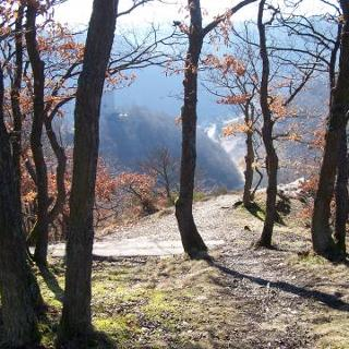 Felsgrat mit fantastischer Aussicht auf das Waselbachtal
