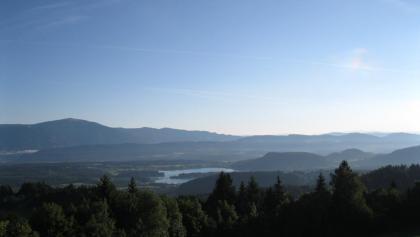 Am Baumgartnerhof: Blick zum Faakersee