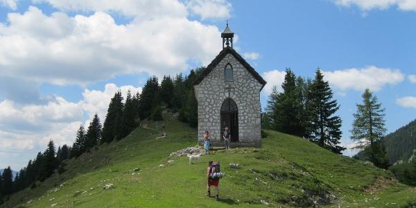 Zur Feistritzer Alm die Kapelle Maria Schnee