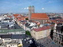 Der Münchner Marienplatz mit Frauenkirche