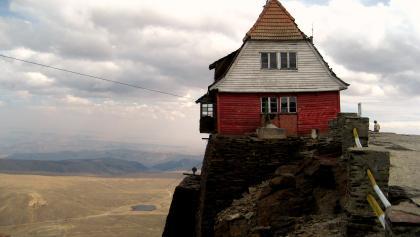 ÖAV-Hütte ca. 5240m