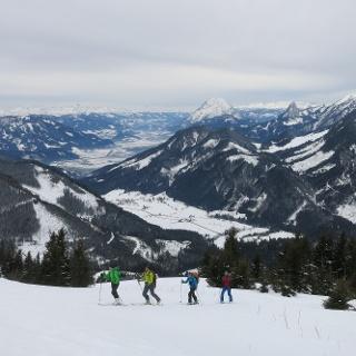 Blick ins Ennstal zum Grimming, Dachstein und Hochtausing