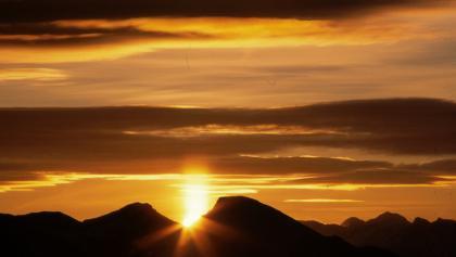 Sonnenaufgang Geigelstein von der Hochries aus