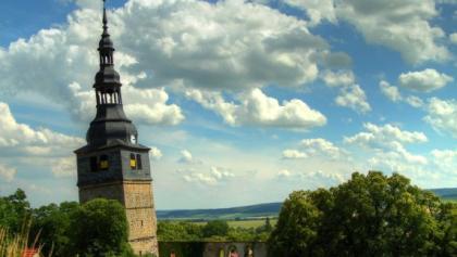 Schiefer Turm der Oberkirche - Bad Frankenhausen
