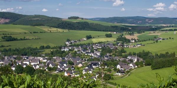 Blick auf Bödefeld im Sauerland