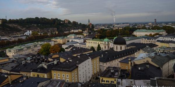 Rückblick auf die Stadtmitte Salzburgs