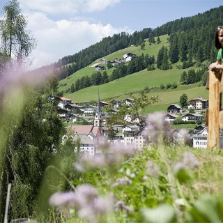 Walk through the village - Raida dl luech