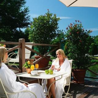 GERRY WEBER Sportparkhotel: Wellness auf der Terrasse