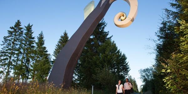 """Skulptur """"Krummstab"""" von Heinrich Brummack"""
