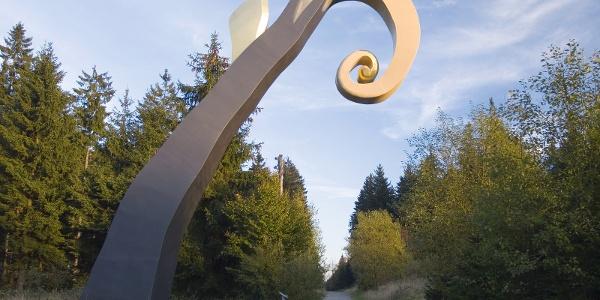 Krummstab von Heinrich Brummack am WaldSkulpturenWeg Wittgenstein - Sauerland