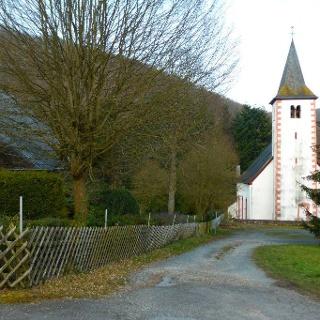 Startpunkt oberhalb der evangelischen Kirche Kellenbachs