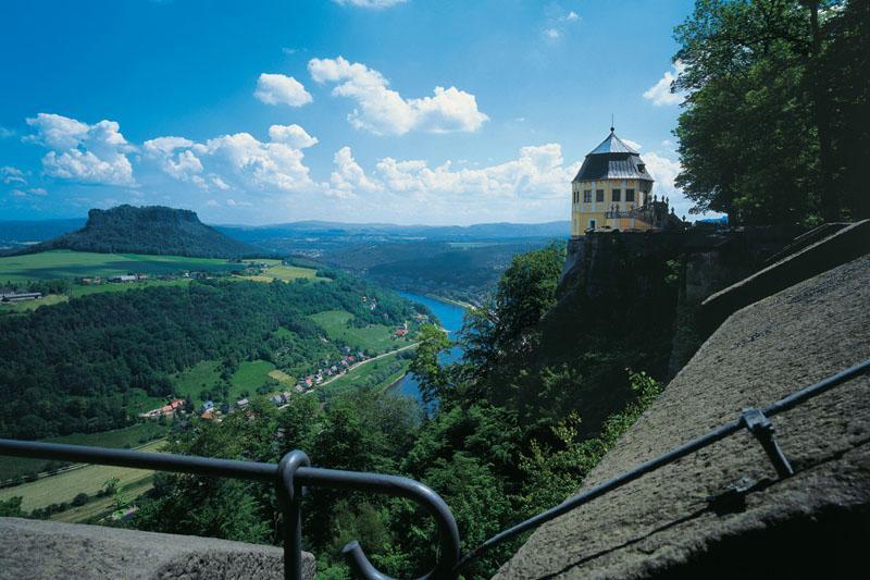 Blick von der Festung Königstein ins Elbtal und zum Lilienstein
