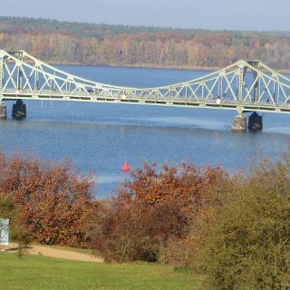 Blick auf die Glienicker Brücke