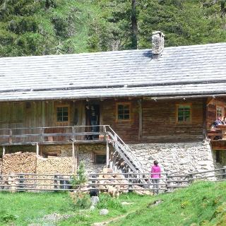 Lercher Alp Hut in the summer