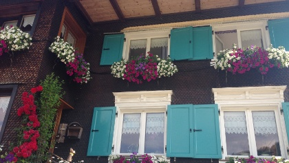 Blumenschmuck am Haus in Balderschwang