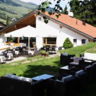 Golfrestaurant Vulpera mit der Sonnigen Terrasse