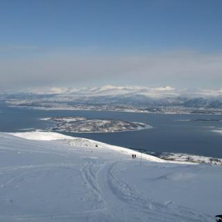 Blick vom Gipfel über Tromsø Stadt, Grøtsundet