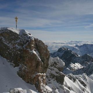 Gipfel und Gipfelkreuz der Zugspitze