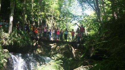 Hängebrücke am Wasserweg