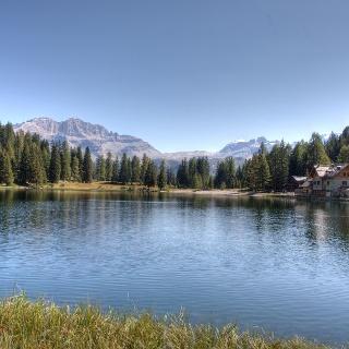 Vista sulle Dolomiti di Brenta dal rifugio Nambino