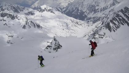 Einfahrt vom Gipfelhang in die Gletschermulde