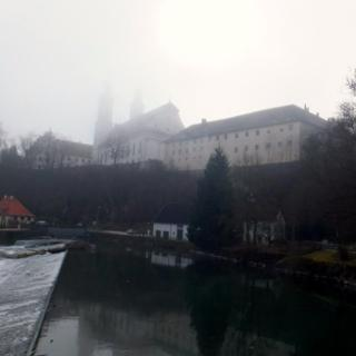 Obermarchtaler Münster im Nebel