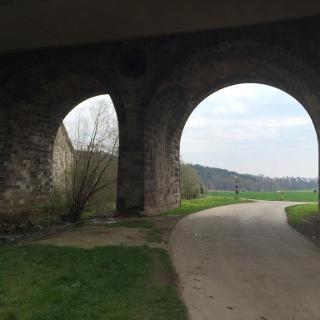 Zweibogenbrücke an der Ahne