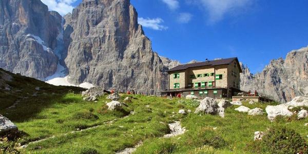 Brentei refuge, Brenta Dolomites