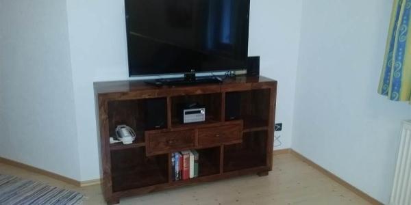 TV und Audioanlage Apt 1