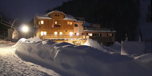 Gasthof Mayor im Val S-charl im Winter