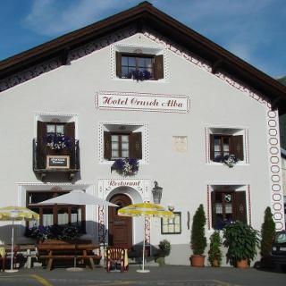 Hotel Crusch Alba von aussen