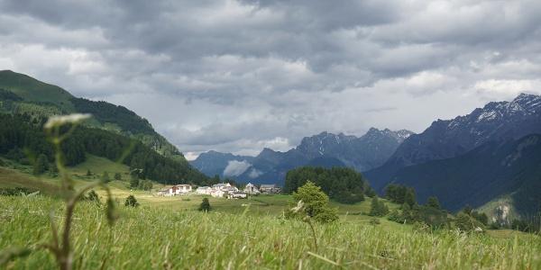 Weiler Bos-cha zwischen Guarda und Ardez