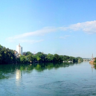 Rheinuferliebe (Blick von der alten Stadtbrücke Rheinfelden)