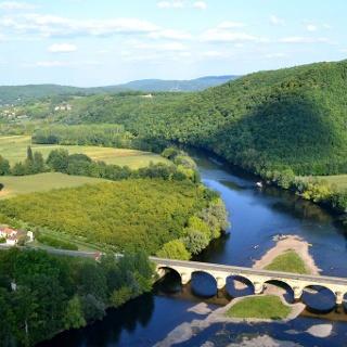 Die Dordogne in der Region Aquitaine
