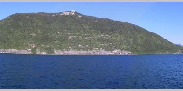 Monte Isola mit Santuario della Ceriola am Gipfel