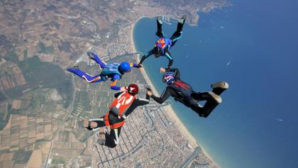 Costa Brava- Actiu- Alt Empordà. Paracaigudes © Fons del PTCBG
